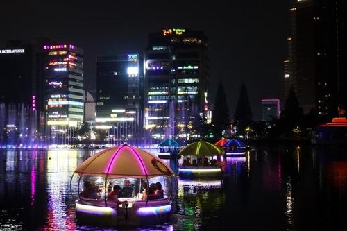 창원 용지호수 무빙보트 10만명 탑승…7월 한 달 20% 할인