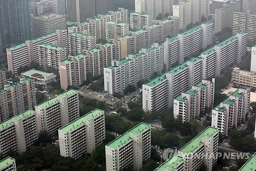 (LEAD) Single, two-member households to become majority of Seoul population: report - 1
