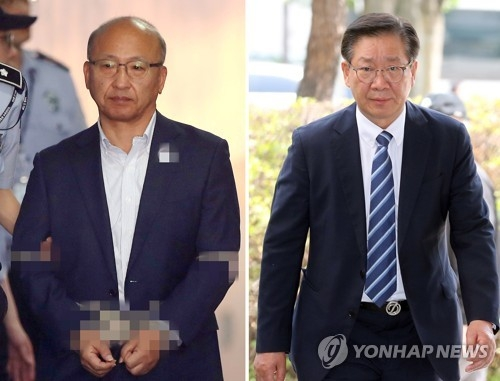 This composite photo shows former Health Minister Moon Hyung-pyo (L) and Hong Wan-sun, former head of the National Pension Service's asset management division. (Yonhap)