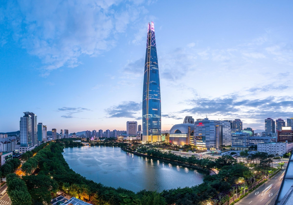 This undated photo provided by Lotte Corp. on July 11, 2017, shows the 123-story Lotte World Tower in Seoul. (Yonhap)