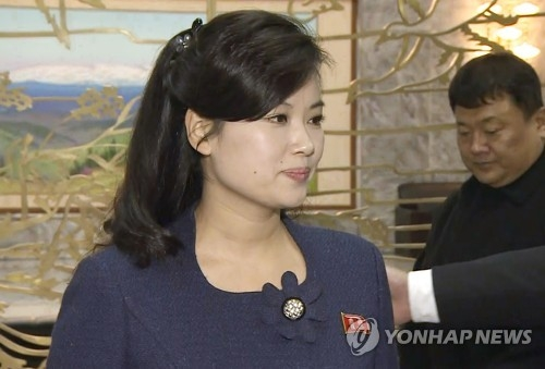 This image, captured from footage provided by Seoul's unification ministry on Jan. 15, 2018 shows Hyon Song-wol, the leader of the Moranbong Band, an all-female North Korean band. As a vice chief delegate, she attended inter-Korean talks on the North's plan to send an art troupe to the South during the Winter Olympics. (Yonhap)