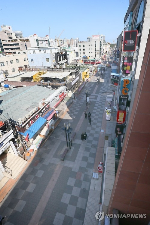 This file photo, taken March 2017, shows a Jeju street, quiet since China's ban on sales of group tours to South Korea over THAAD. (Yonhap)