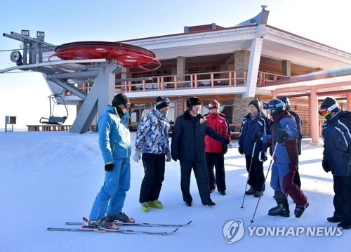 An advance South Korean team visits the Masikryong Ski Resort in North Korea in this file photo. (Yonhap)