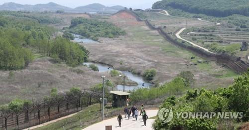 This photo shared by a pool of South Korean journalists shows a trekking course of the DMZ Peace Trail in Cheorwon, Gangwon Province, on May 23, 2019. (Yonhap)