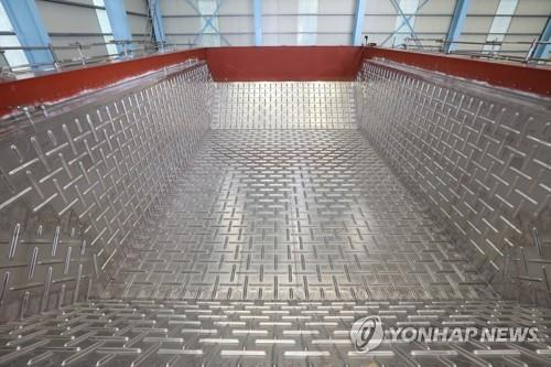 This undated photo provided by Daewoo Shipbuilding & Marine Engineering Co. shows a mock-up of the company's LNG cargo containment system Solidus. (PHOTO NOT FOR SALE) (Yonhap)
