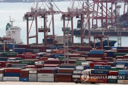 Exports dip 22 pct in first 10 days of Aug.