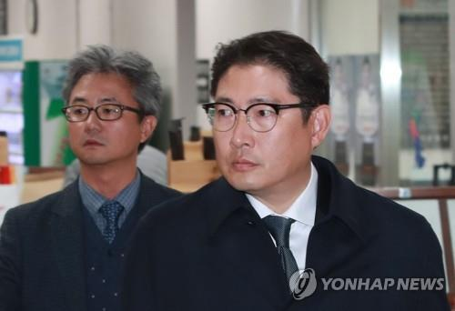 Hyosung chairman gets jail sentence in embezzlement case