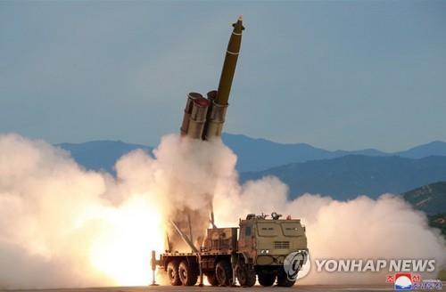 (5th LD) N. Korea fires short-range projectiles toward East Sea: JCS