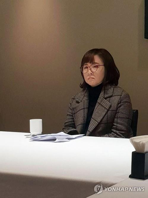 This image shows novelist Yun I-hyeong during a press conference on Jan. 7, 2019, after she won the 2019 Yi Sang Literary Award. (Yonhap)