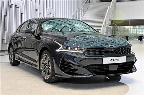 Kia launches all-new K5 in S. Korea