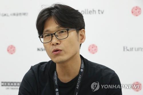 (Yonhap Interview) Director Yi wants to 'remember' tragic maritime accident through Oscar-nominated documentary