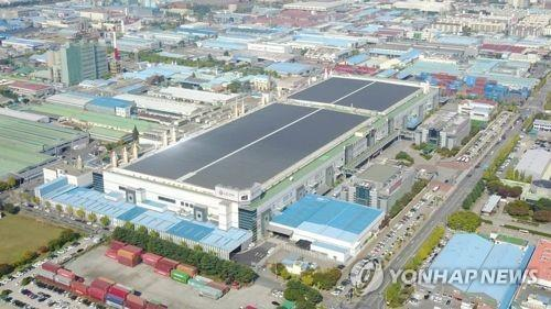 This photo provided by LG Electronics Inc. shows the company's plant in Gumi, North Gyeongsang Province. (PHOTO NOT FOR SALE) (Yonhap)