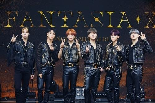 "This file photo provided by Starship Entertainment shows boy band Monsta X posing for photos during a media showcase for the group's new EP record, ""Fantasia X,"" in Seoul on May 26, 2020. (PHOTO NOT FOR SALE) (Yonhap)"