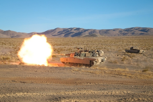 This photo, captured from the U.S. Fort Irwin National Training Center's Twitter account on Nov. 13, 2020, shows a large-scale contingency training exercise. (Yonhap)