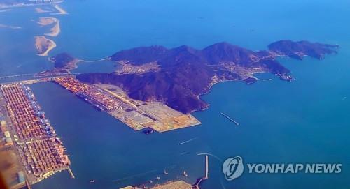 Controversial bill on constructing new airport in Busan gets final parliamentary nod
