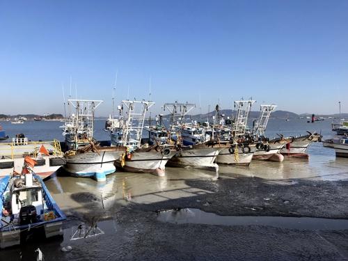 군산 진포해양테마공원 인근의 선박들 [사진/권혁창 기자]