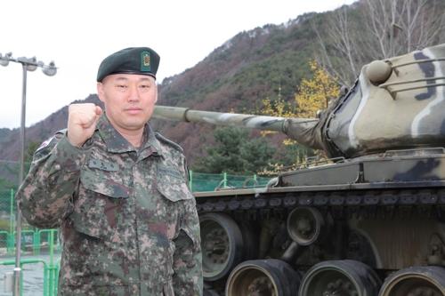 3군단 전차대대 소속 김홍옥 주임원사