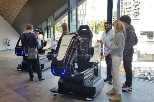 런던 도심에서 즐기는 '디지털 놀이터'…삼성 KX를 가다