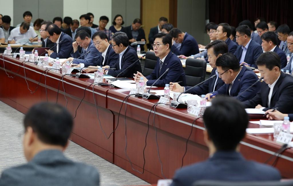 충남도 행복결혼공제·마을돌봄 등 389개 시책 추진 | 연합뉴스