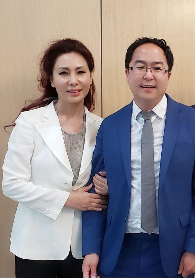 김민선 한인이민사박물관장과 앤디 김