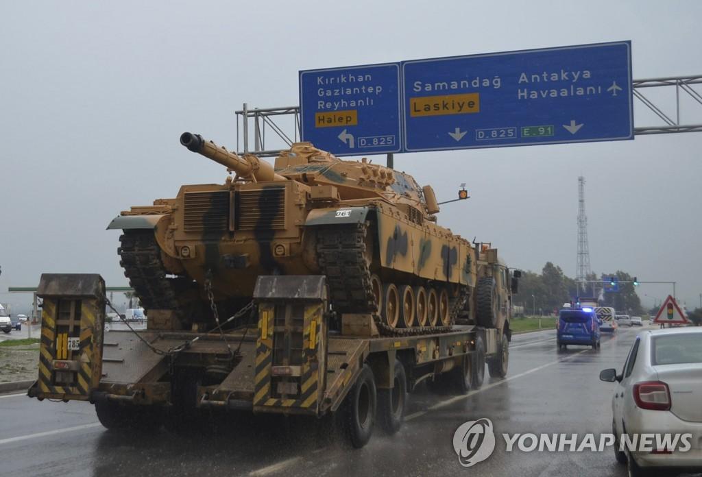 터키 남동부 킬리스州에서 13일 목격된 터키군 장비 호송대