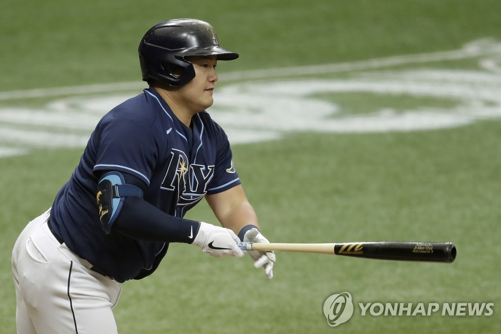 In this Associated Press file photo from Aug. 8, 2020, Choi Ji-man of the Tampa Bay Rays watches his RBI double against New York Yankees starter Gerrit Cole during the bottom of the fifth inning of a Major League Baseball regular season game at Tropicana Field in St. Petersburg, Florida. (Yonhap)