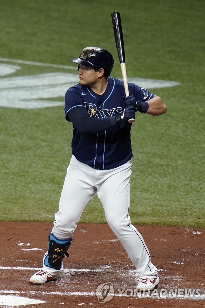 In this Associated Press file photo from Sept. 11, 2020, Choi Ji-man of the Tampa Bay Rays is in action against the Boston Red Sox during the bottom of the first inning of a Major League Baseball regular season game at Tropicana Field in St. Petersburg, Florida. (Yonhap)