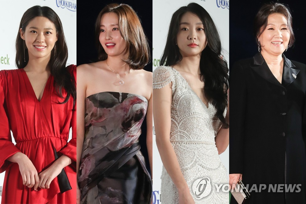 This composite photo provided by the Daejong Film Awards show actresses (from left: Seol Hyun, Jeon Jong-seo, Kim Da-mi and Kim Hae-sook) arriving for the awards show at the Sejong Center for the Performing Arts in central Seoul on Oct. 22, 2018. (Yonhap)