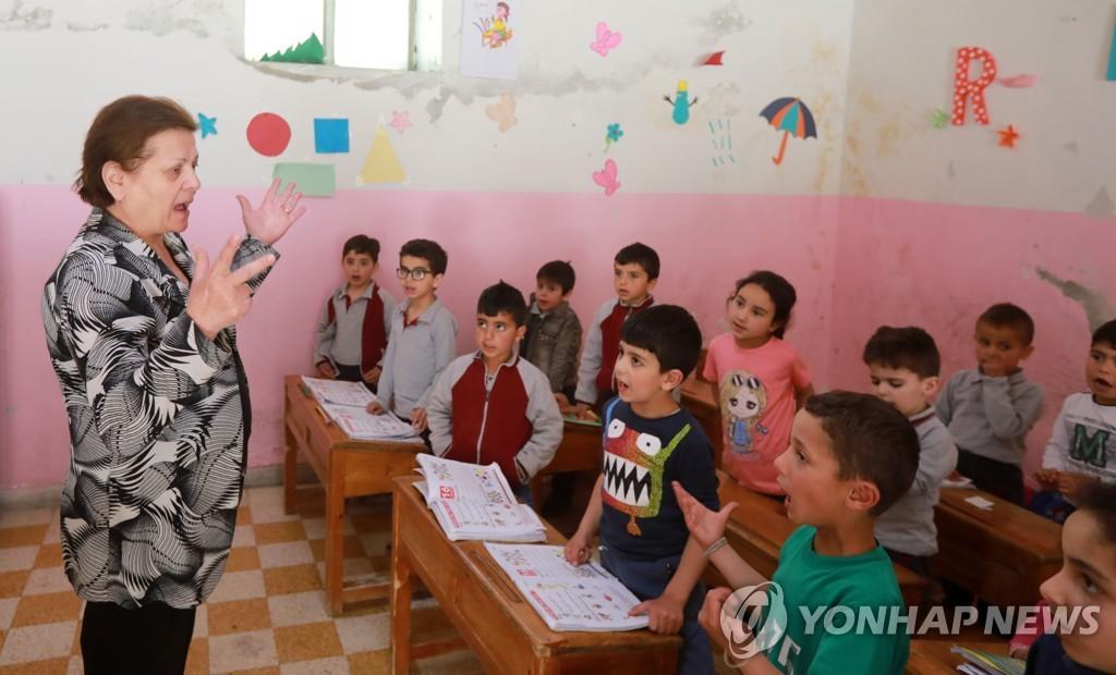 """시리아 말룰라의 아람어 교사 """"후임자가 없어 은퇴 못 해요"""""""