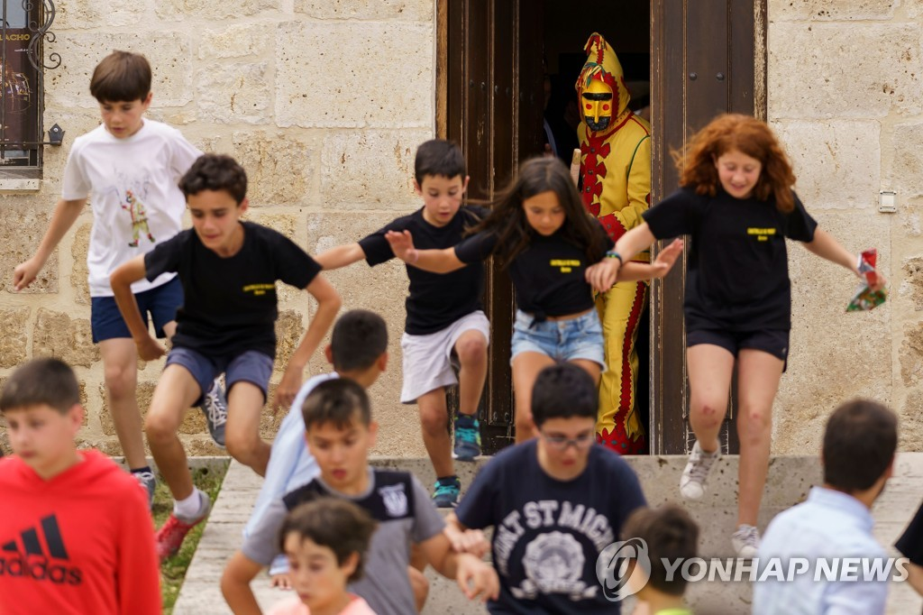 SPAIN-TRADITION-RELIGION-FESTIVAL-TOURISM