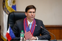 (LEAD) Esper refuses to speculate on U.S. troops reduction in S. Korea