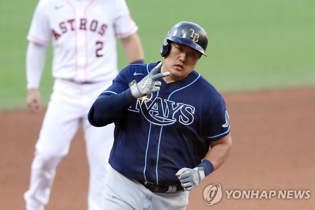 In this Getty Images photo, Choi Ji-man of the Tampa Bay Rays rounds the bases after hitting a solo home run against the Houston Astros during the top of the eighth inning of Game 5 of the American League Championship Series at Petco Park in San Diego on Oct. 15, 2020. (Yonhap)