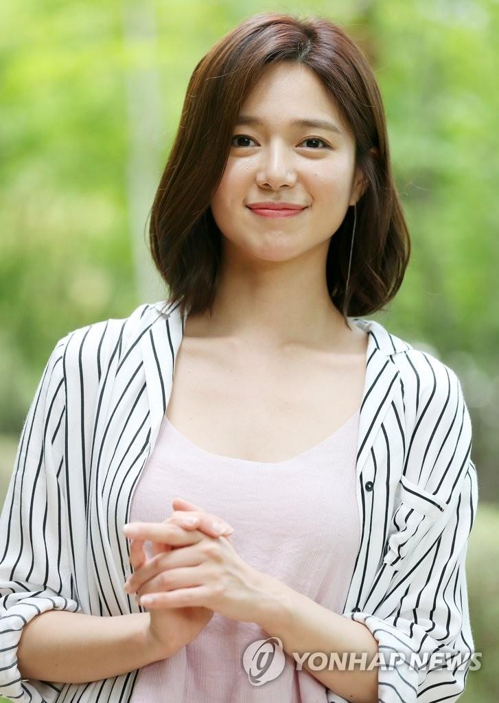 Actress Lee Elijah Yonhap News Agency Lee elijah is a south korean actress and model. actress lee elijah yonhap news agency