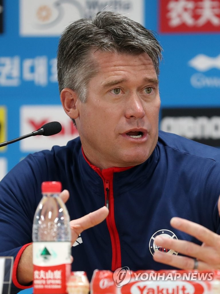 U.S. men's swimming head coach Dave Durden speaks at a press conference for the American swimming team at the FINA World Championships at Nambu University's Main Press Center in Gwangju, 330 kilometers south of Seoul, on July 19, 2019. (Yonhap)