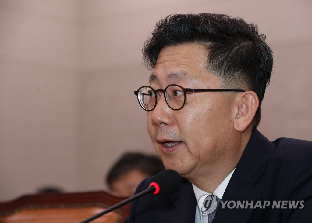 South Korea's agriculture minister nominee Kim Hyun-soo speaks during his confirmation hearing at the National Assembly in Seoul on Aug. 29, 2019. (Yonhap)