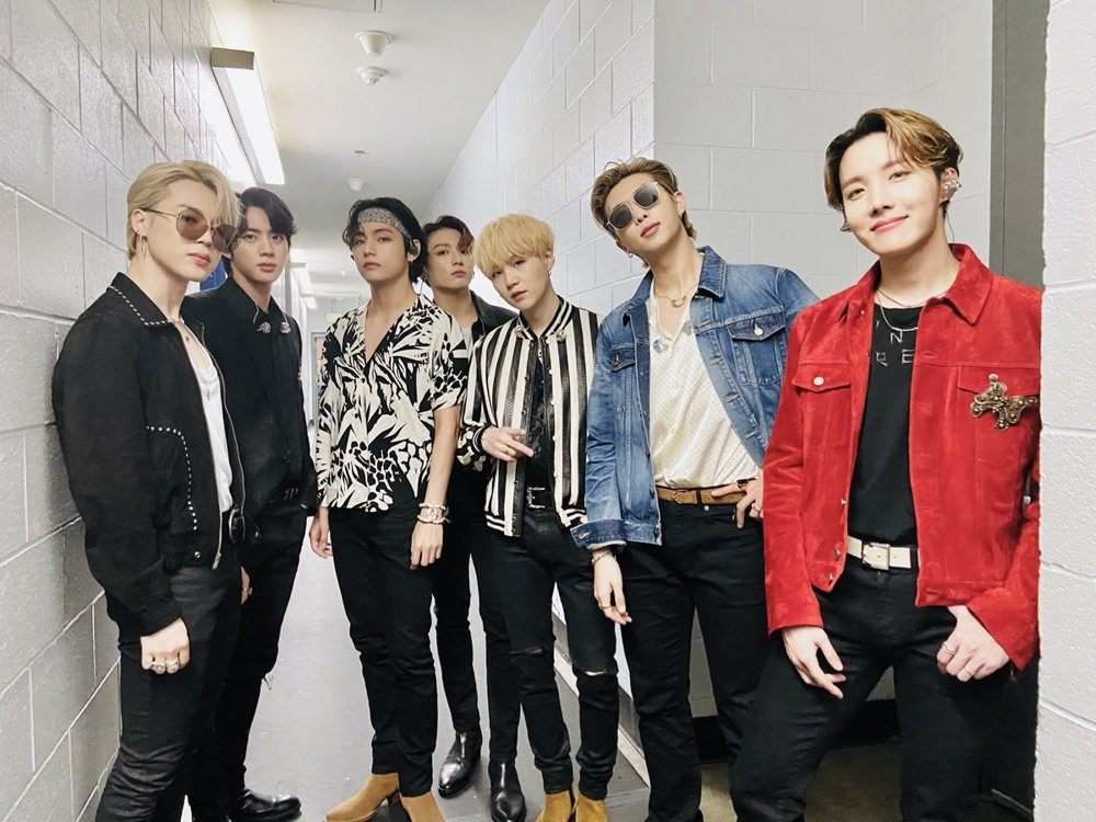 This photo, provided by Big Hit Entertainment on Jan. 27, 2020, following BTS' first onstage performance during the Grammys in Los Angeles, shows the band's seven members. (PHOTO NOT FOR SALE) (Yonhap)