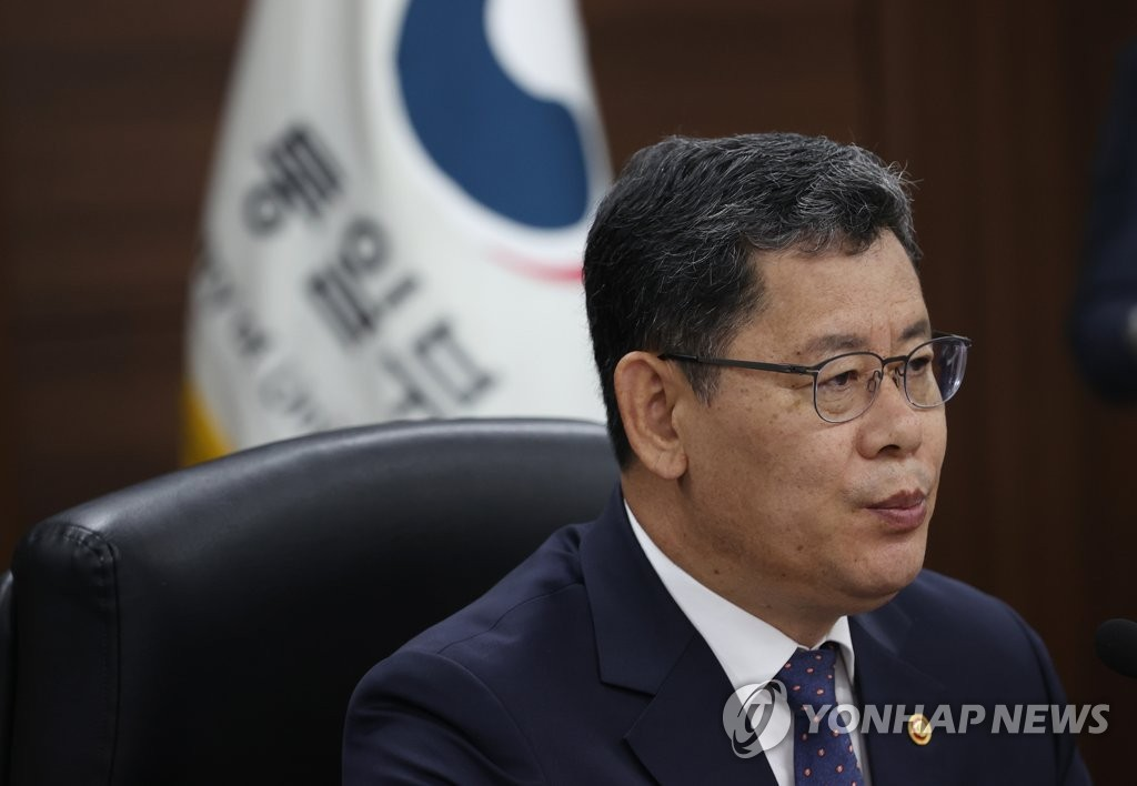 Unification Minister Kim Yeon-chul speaks to reporters in a press meeting on May 7, 2020. (Yonhap)