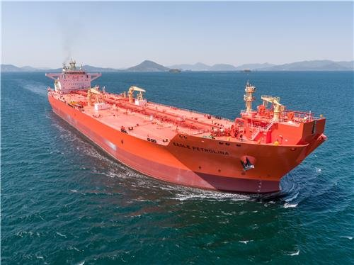 This file photo provided by Samsung Heavy Industries Co. shows a shuttle tanker designed for oil transport from an offshore oil field. (PHOTO NOT FOR SALE) (Yonhap)