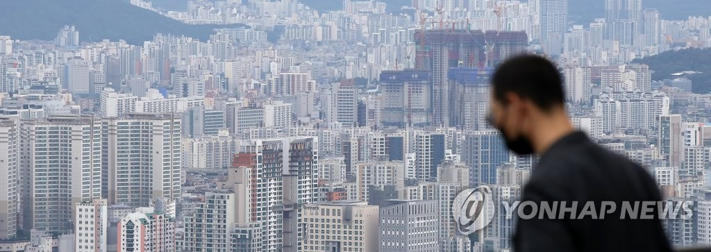서울 남산에서 바라본 서울 시내의 아파트 모습