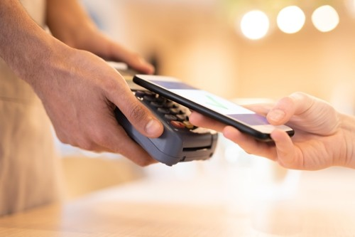 Gov't to allow non-financial firms to offer mobile payment services overseas